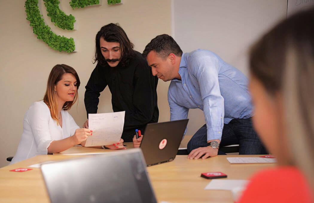Echipa Emiral creeaza magazin online