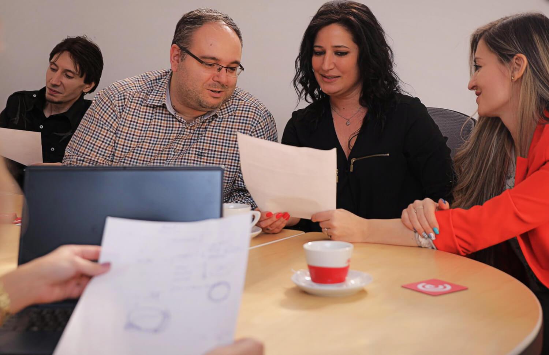 Echipa emiral face GDPR pentru website-uri si magazine online.